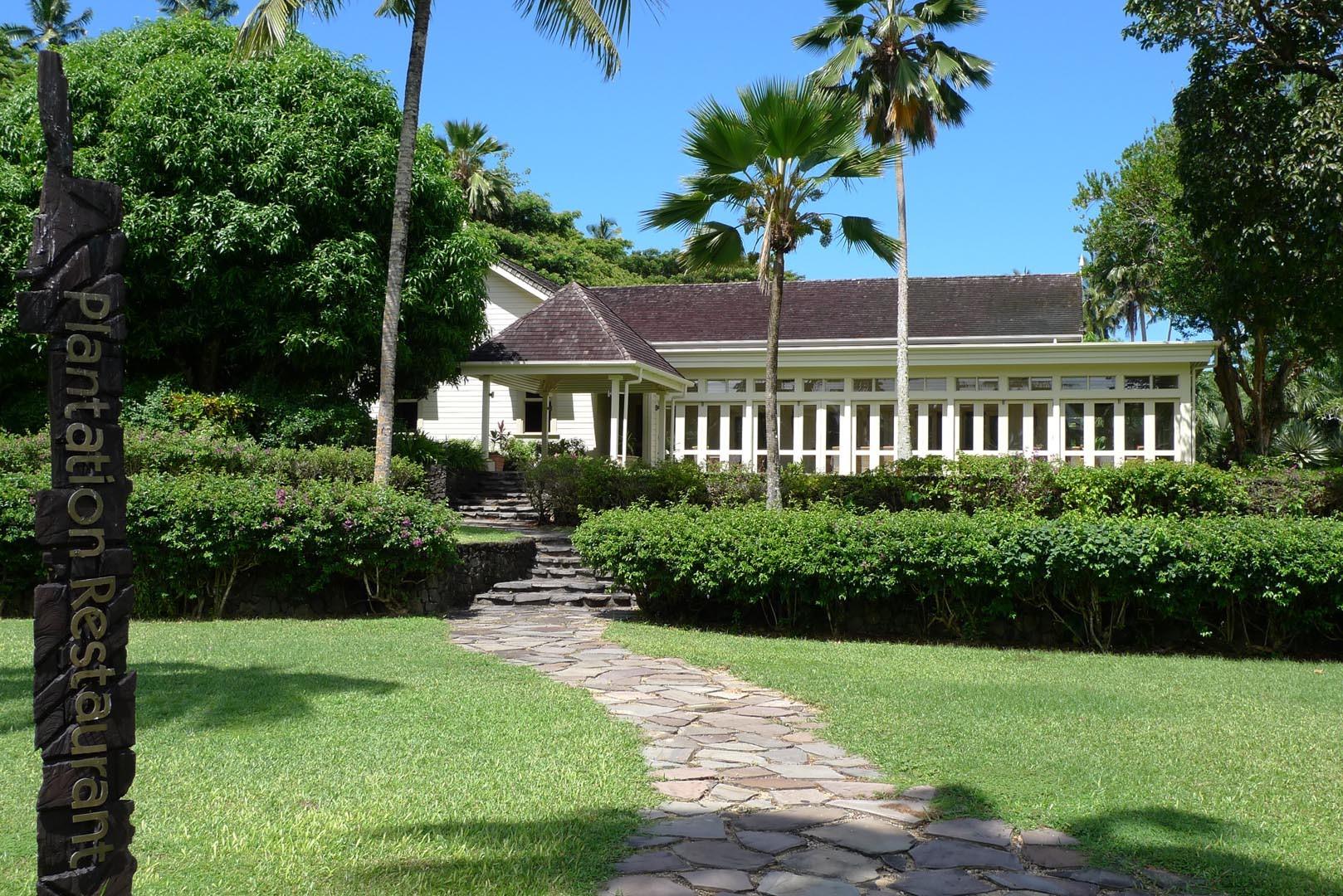 Fiji_Laucala_Plantation-Restaurant_002