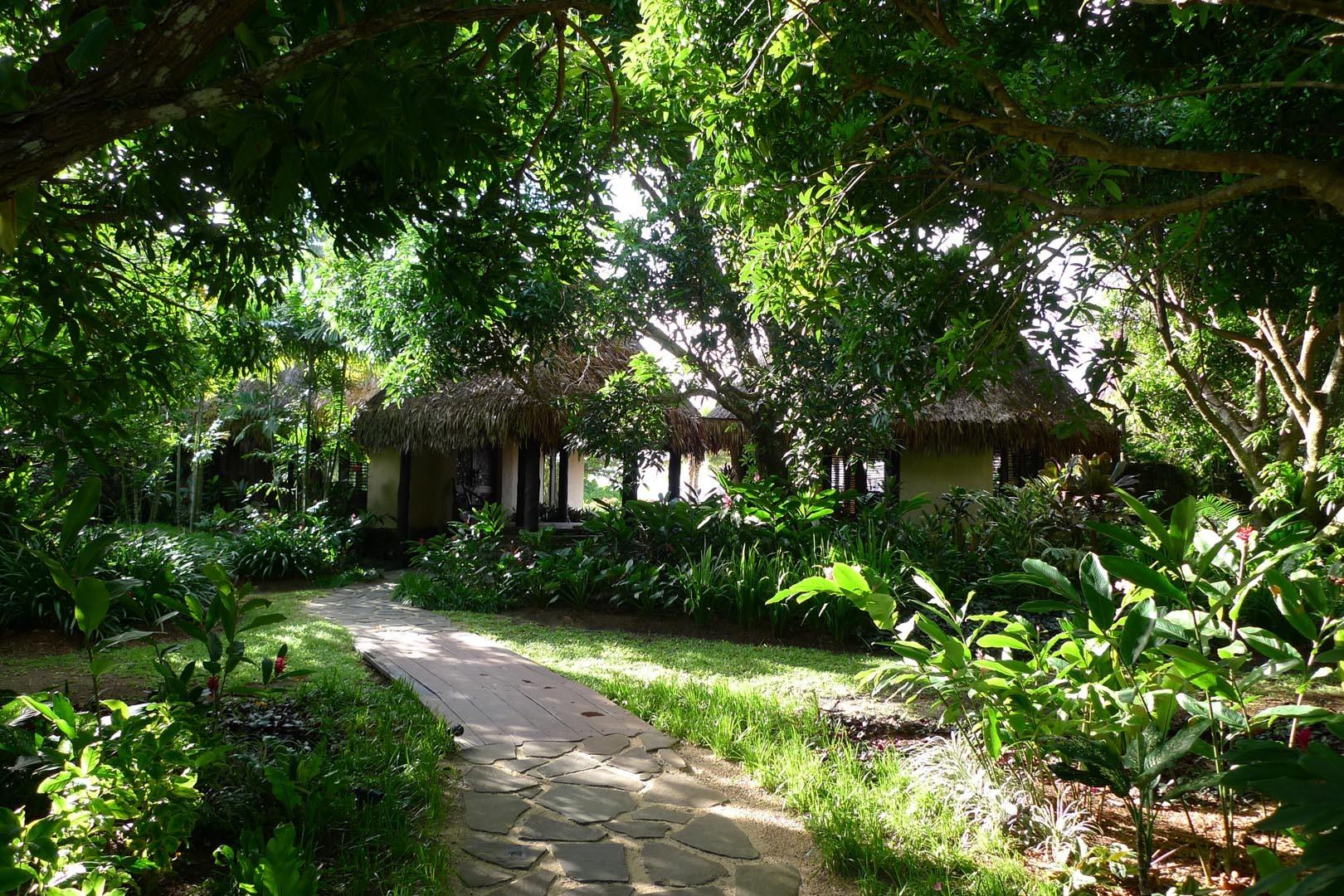 Fiji_Laucala_Villa-Maqo_002