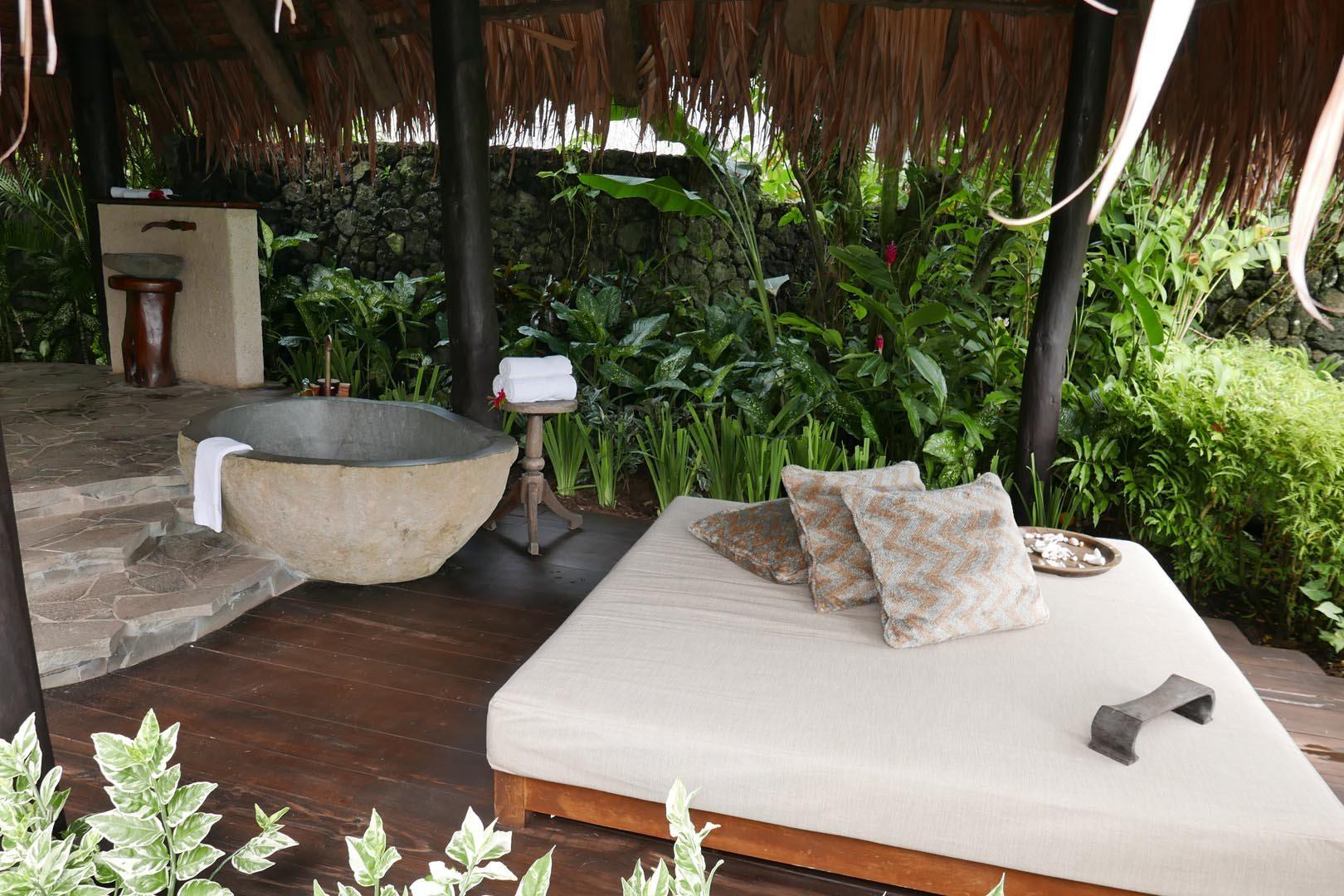 Fiji_Laucala_Villa-Maqo_013