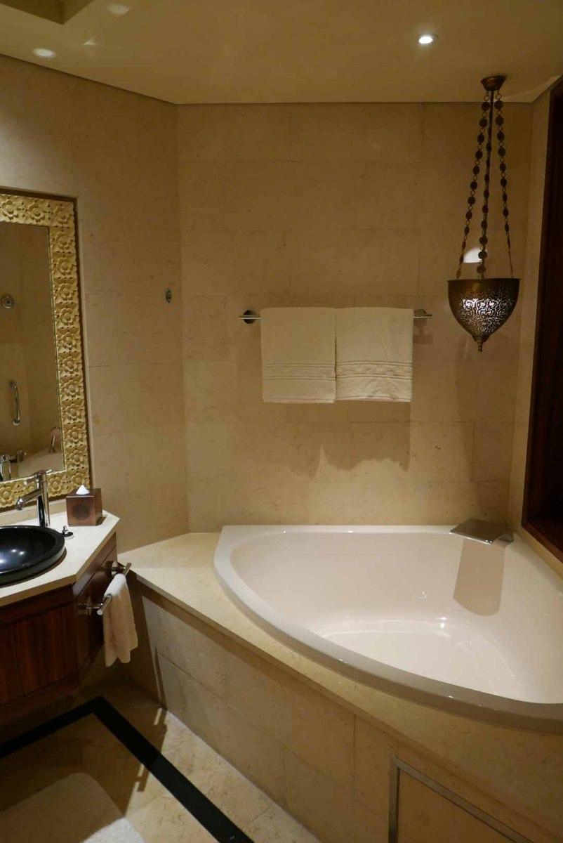 Dubai_Raffles_Slideshow_002