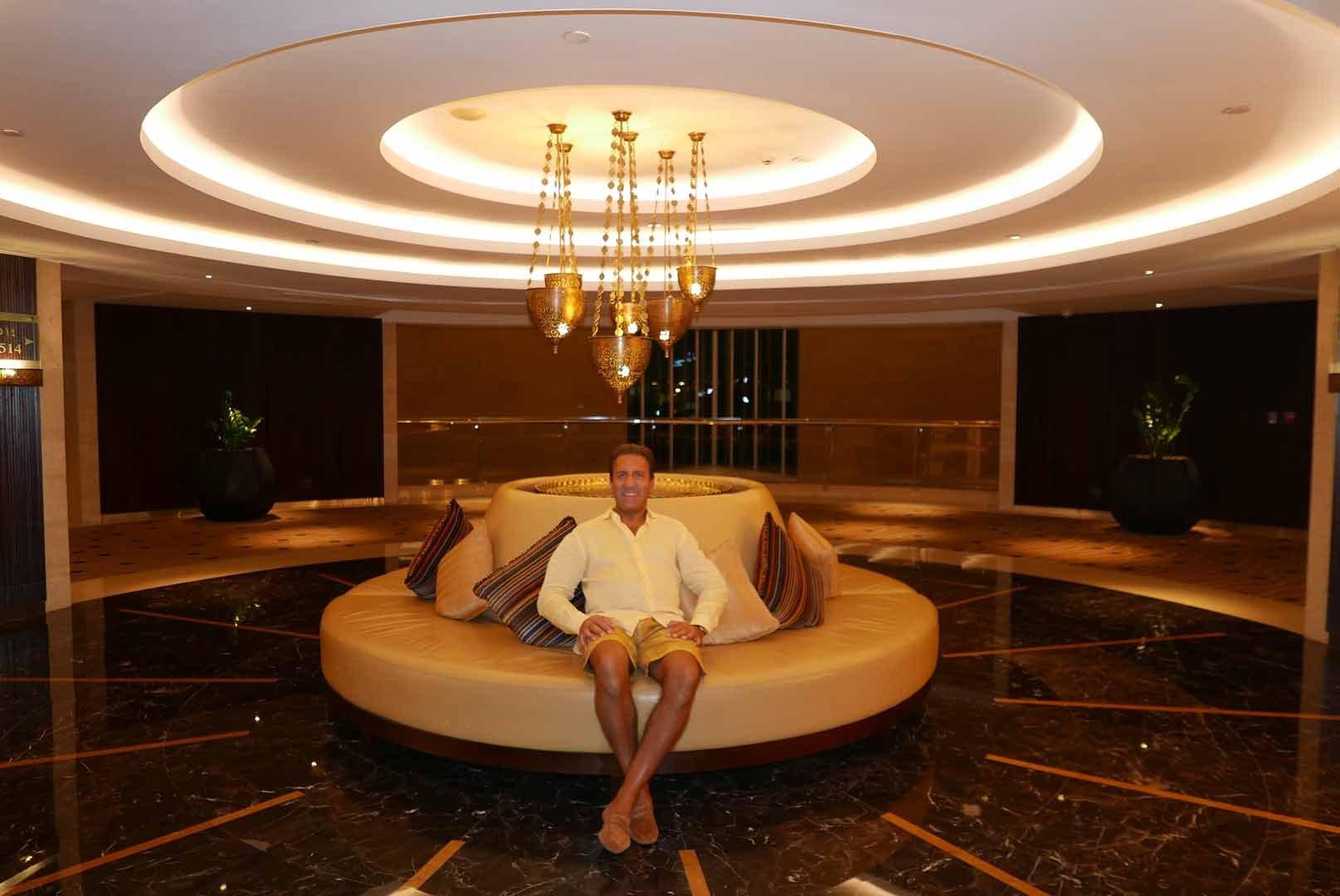 Dubai_Raffles_Slideshow_007