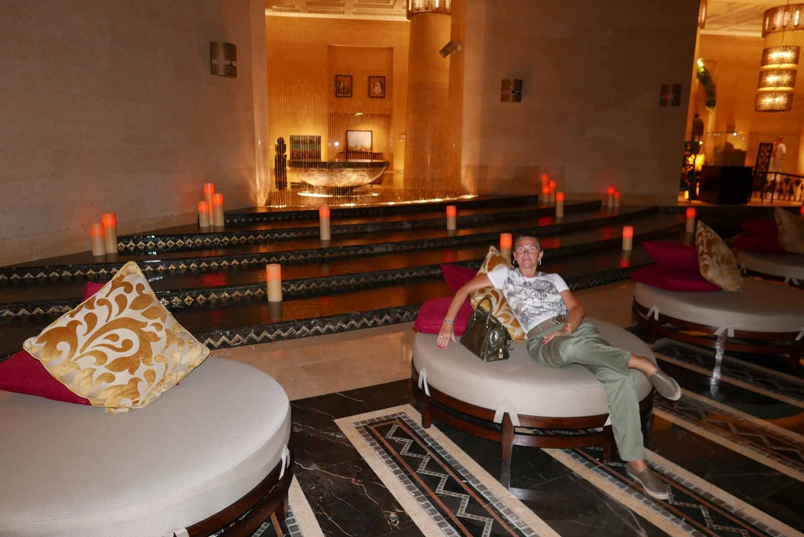 Dubai_Raffles_Slideshow_013